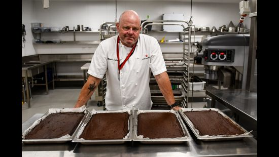COOKING FOR THE CAUSE: ANZ STADIUM CHEF TO HAND-DELIVER 1100 CHOCOLATE BROWNIES TO BUSHFIRE CRISIS VOLUNTEERS